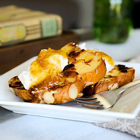 Almond Crusted French Toast with Apricot Jam